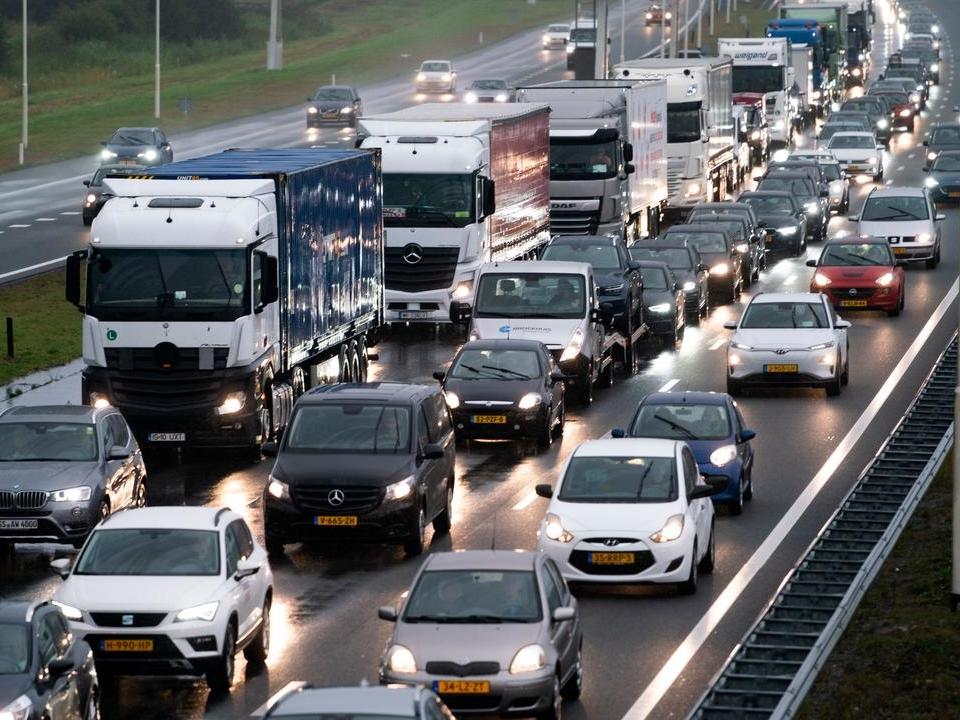 Vervoerssector pleit voor spreiding werktijden om files te voorkomen