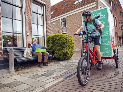 Roep om schone binnenstad doet aantal fietskoeriers groeien