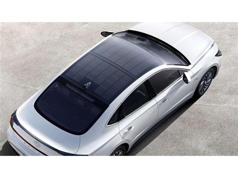 Hyundai brengt auto met dak van zonnepanelen op de markt