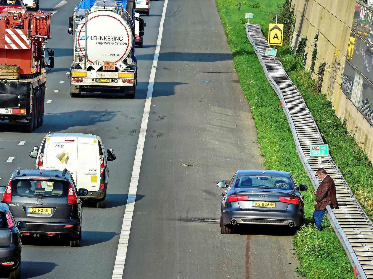 Automobilisten staan steeds vaker langs de weg met pech