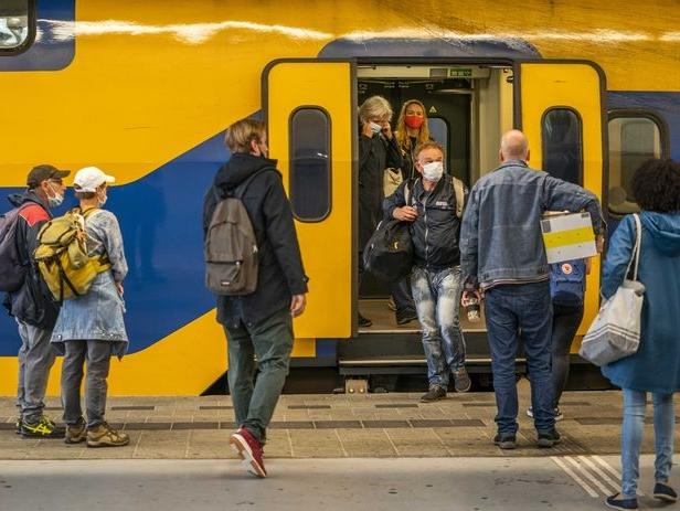 Van Openbaar Vervoer naar Publieke Mobiliteit?