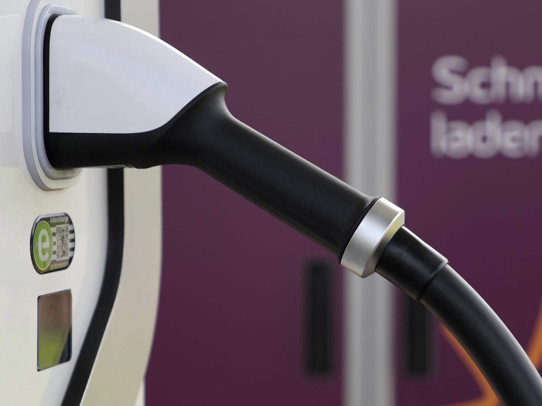Wat is de toekomst van het wegverkeer: waterstof of elektrisch?