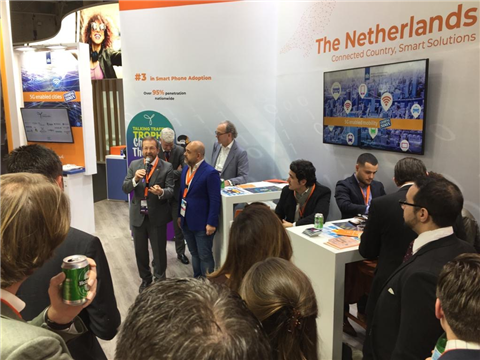Demo 'Talking Traffic Trophy – Challenge the Dutch' op het MWC in Barcelona