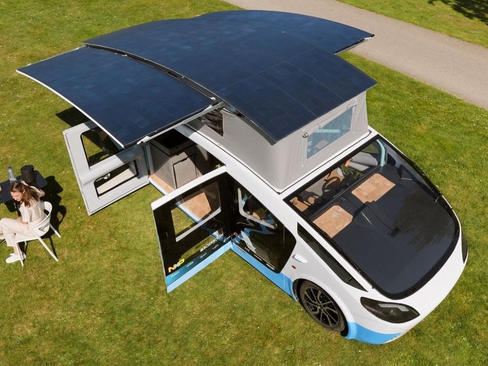 Solar Team Eindhoven presenteert Stella Vita: rijdend huis op zonne-energie met keuken, bed, douche