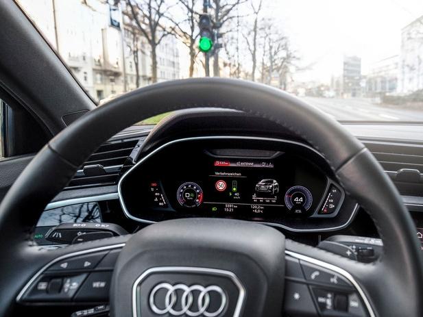 Altijd groen licht in Düsseldorf doordat Audi's met verkeerslichten praten
