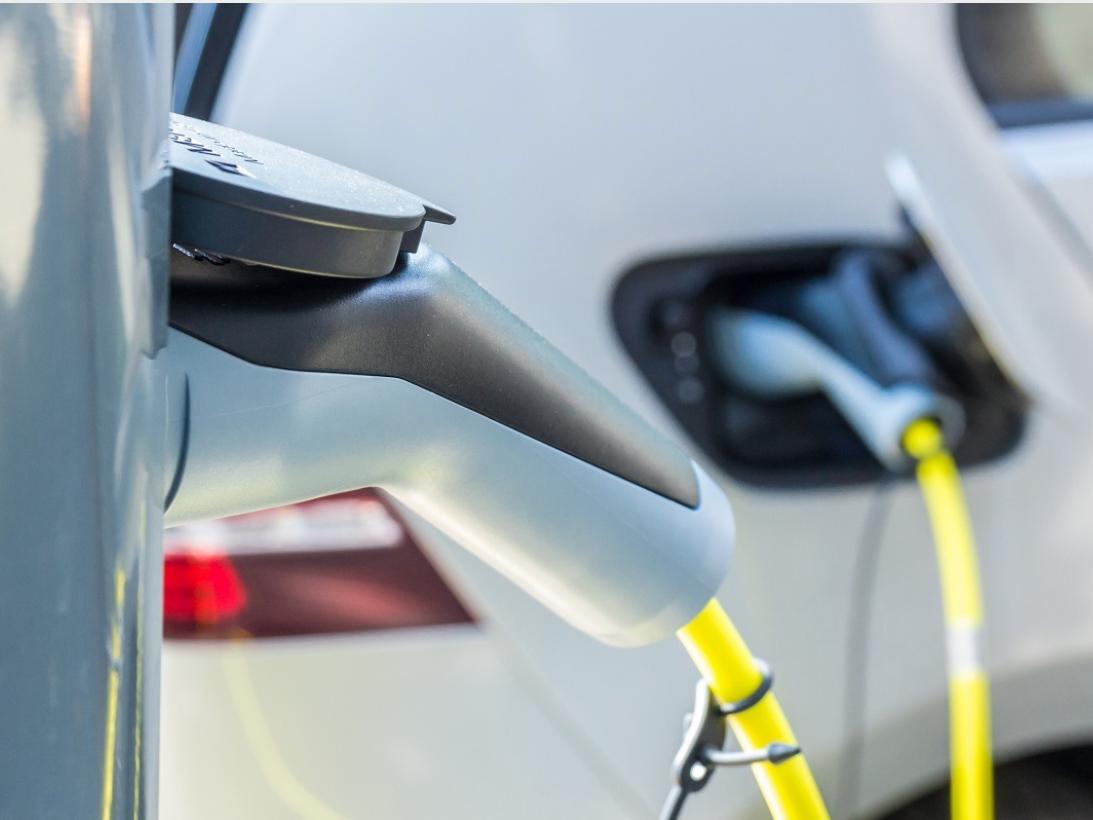 Opladen elektrische auto gemakkelijker door openbare informatie