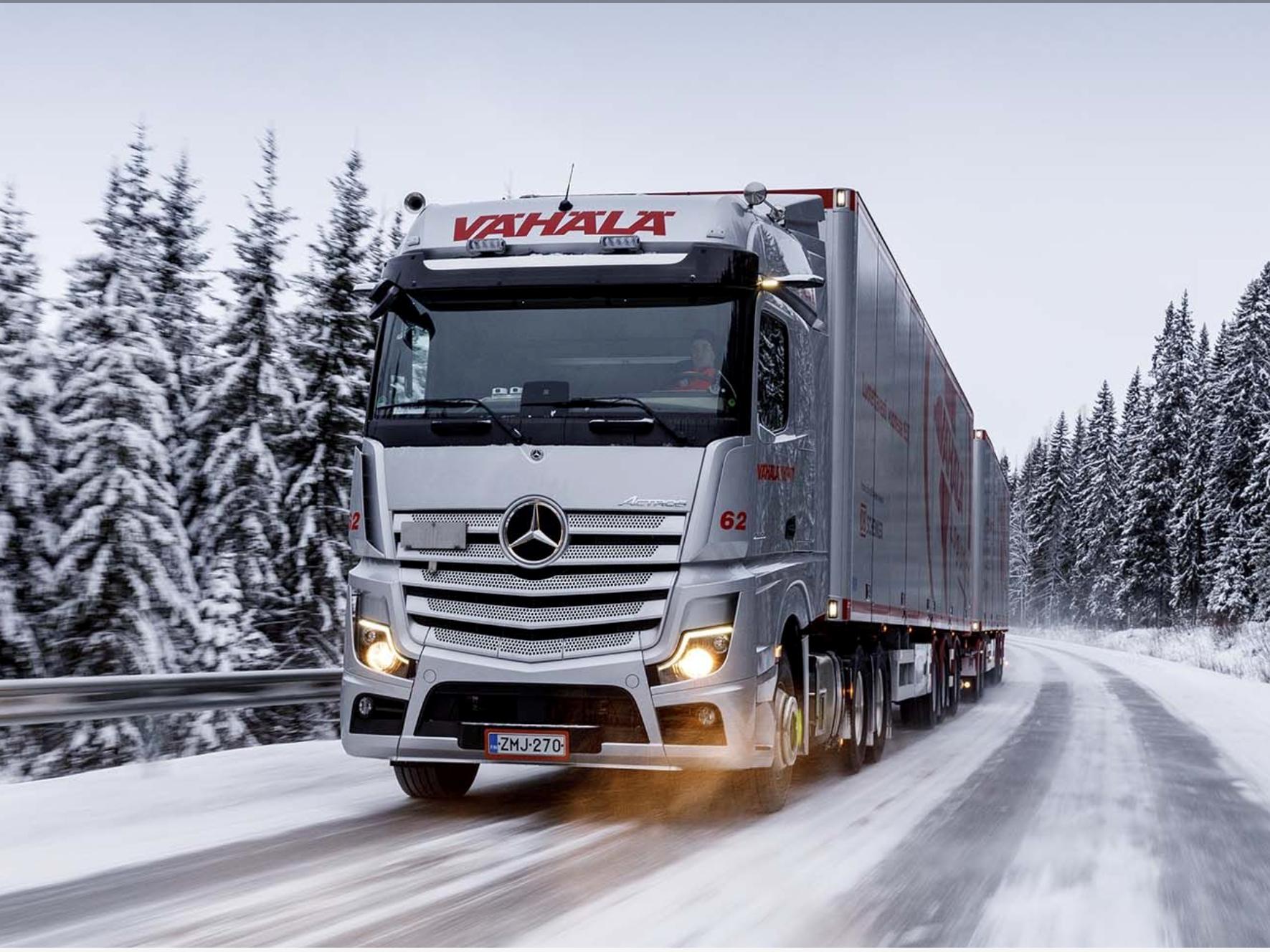 Dubbele trailer combi's in Finse praktijk (Bigtruck)