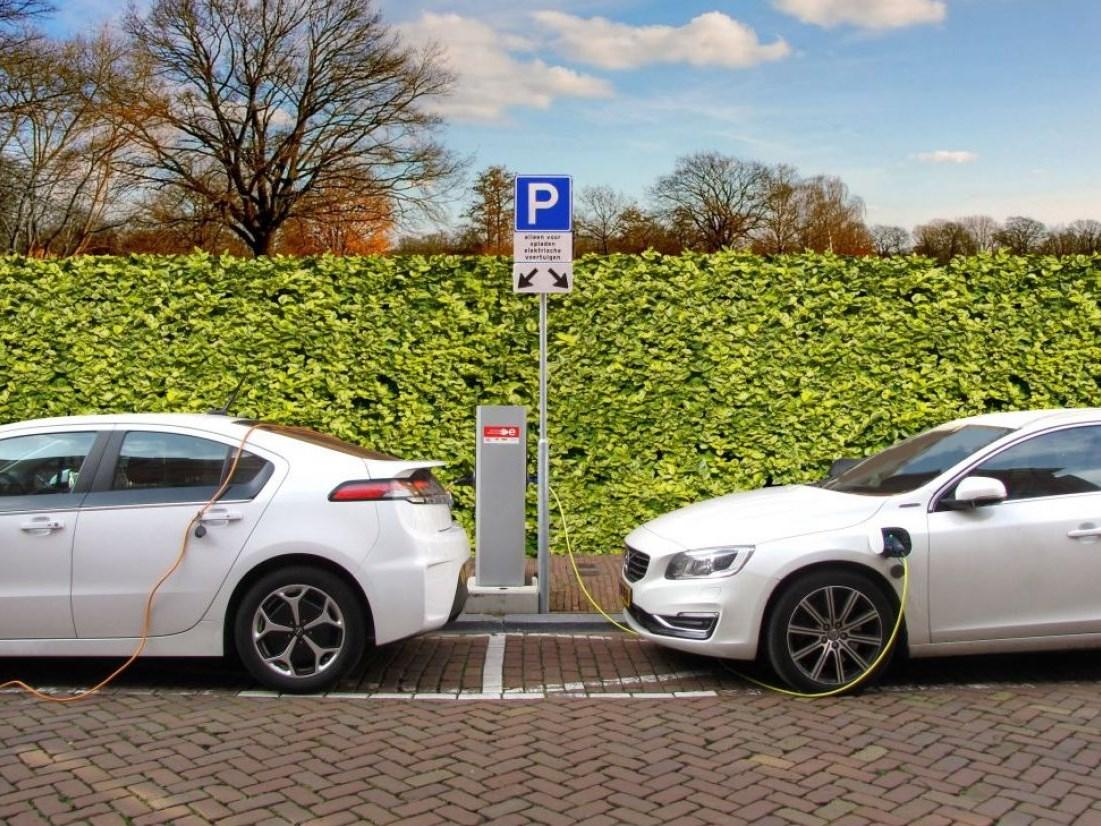 Goede vraag: wat is de juiste methode om emissies van een elektrische auto te berekenen?