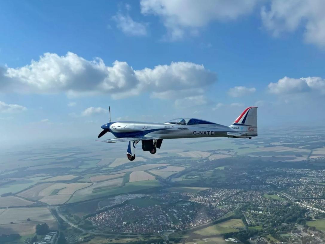 Elektrisch vliegtuig van Rolls-Royce maakt eerste vlucht