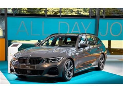 BMW Adaptive Cruise Control stopt voor rood verkeerslicht