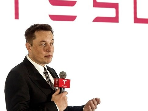 Musk promises to reinvent batteries as Tesla reports record Q3 solar and storage deployments