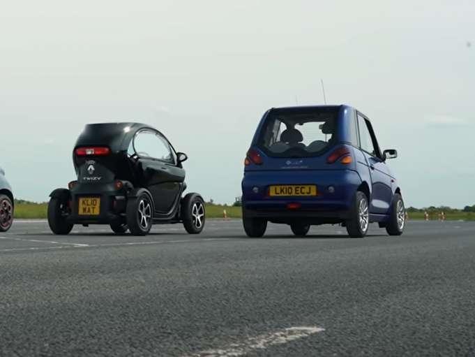 Racen en slalommen met de sloomste en kleinste elektrische auto's