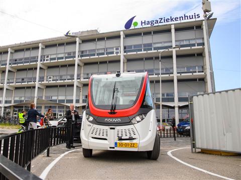 Airportshuttle naar Rotterdam The Hague Airport in 2020 zelfrijdend