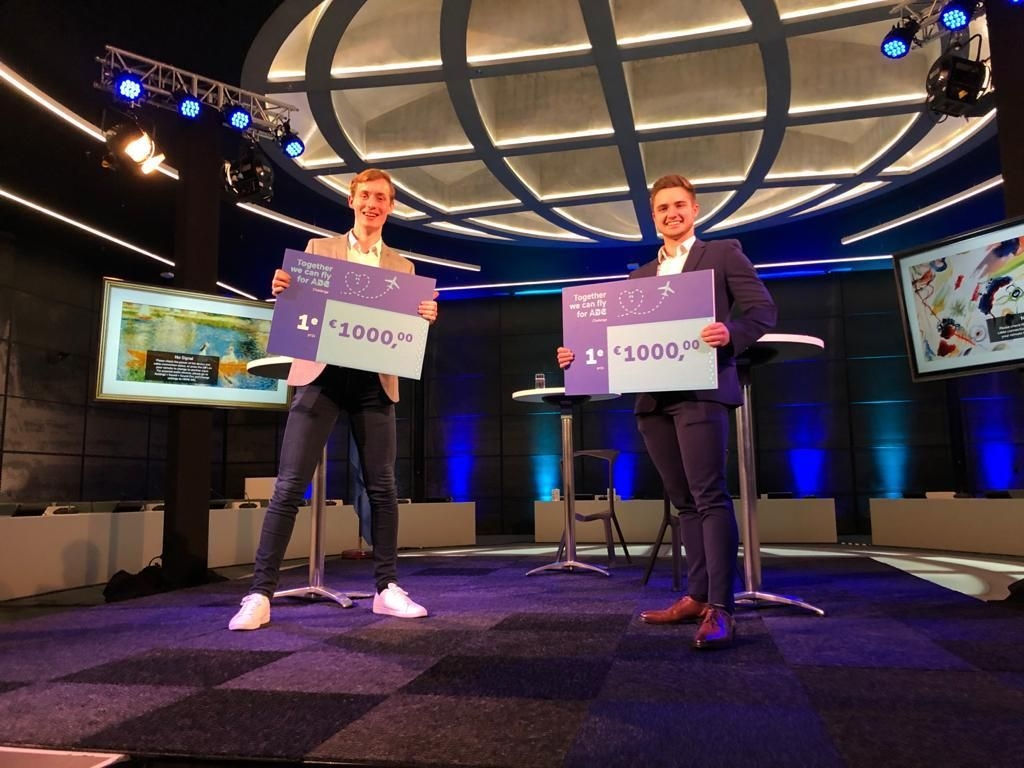 Prijsuitreiking Challenge 'TOGETHER WE CAN FLY FOR ABC'