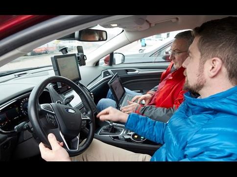 SmartwayZ.NL test 'rij-assistent' om wachttijd voor rood licht te verminderen