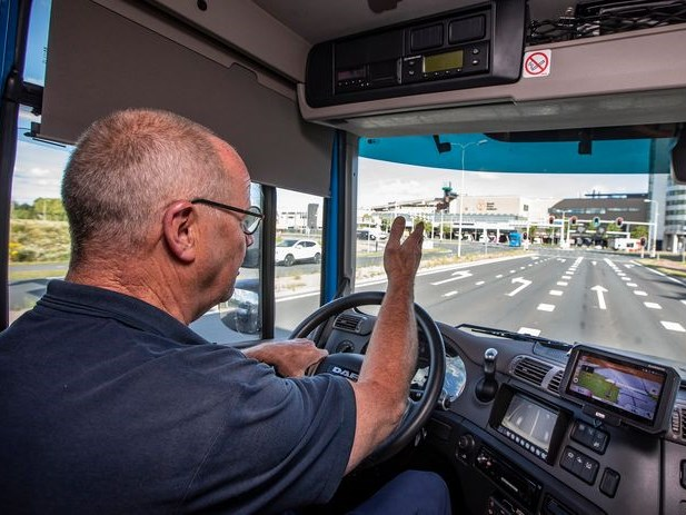 Lekker doorrijden! Met dit apparaatje kunnen vrachtwagenbestuurders rood in groen veranderen