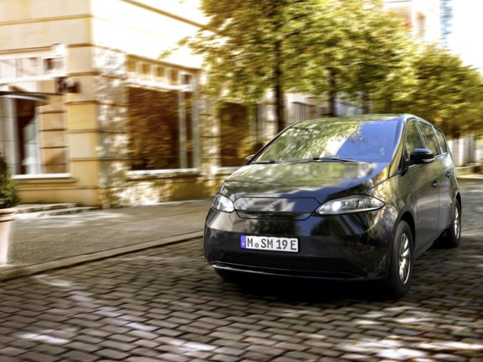 Elektrische zonne-auto's: de toekomst?